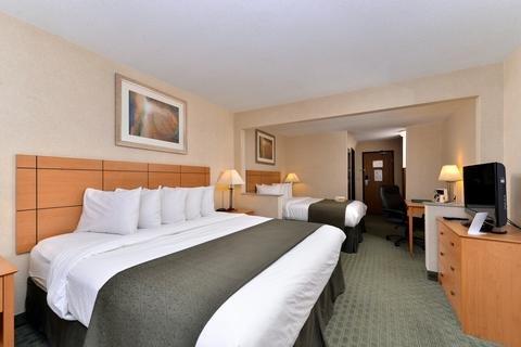 Photo of Quality Inn Dubuque