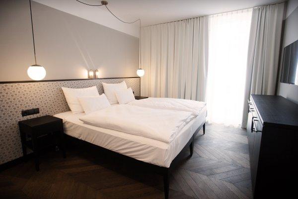 Hotel Caroline - фото 1