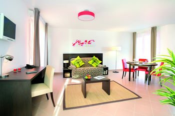 Appart'City Confort Versailles Bois d'Arcy (Ex Park&Suites) - фото 5