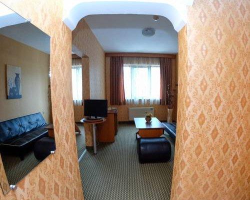Rodopi Hotel - фото 1