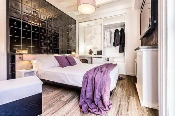 Neverfull Boutique Hotel - фото 1