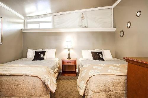 Photo of Beachwood Condos & Resort