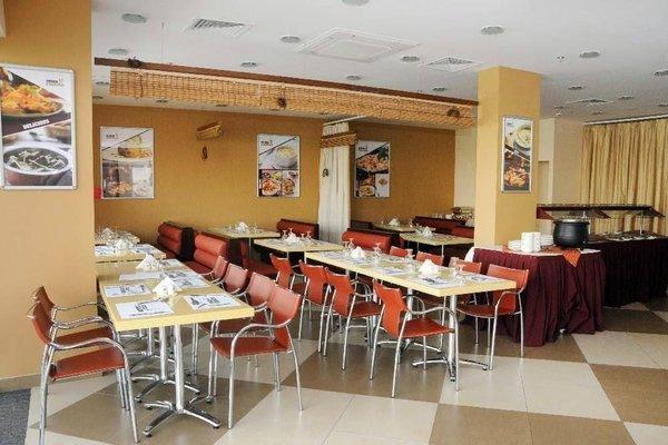 Dunes Hotel Apartment, Al Muhaisnah - фото 9