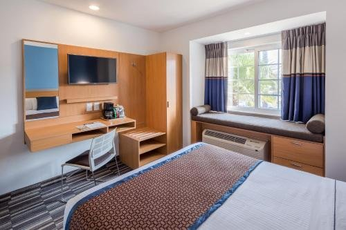 Microtel Inn and Suites Culiacan - фото 2