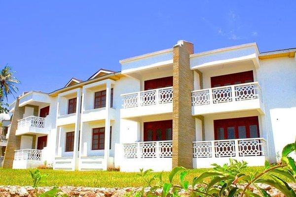 Hill Park Hotel - Tiwi Beach - фото 50