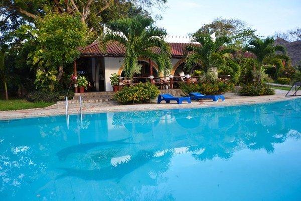 Hill Park Hotel - Tiwi Beach - фото 19