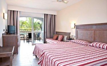 Beach Club Font de Sa Cala Hotel - фото 2