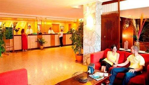 D-H Calma Hotel - фото 13