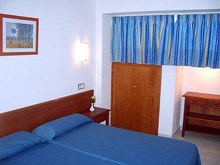 Magalluf Strip Apartment - фото 4