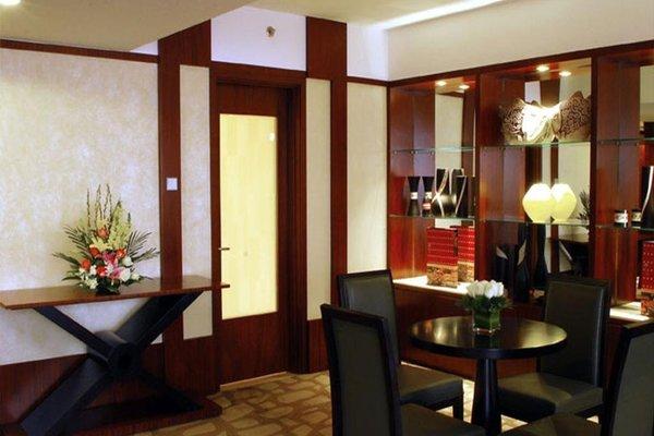 Beijing Kuntai Royal Hotel - фото 10