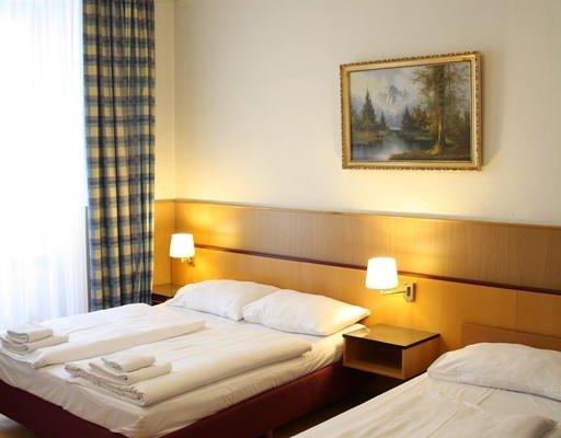 Hotel Cyrus - фото 0