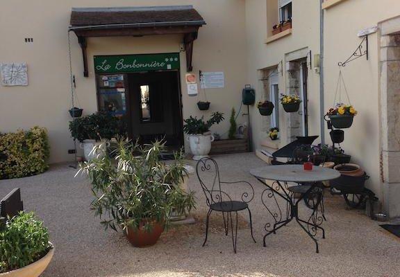 Hotel La Bonbonniere - Dijon - фото 18