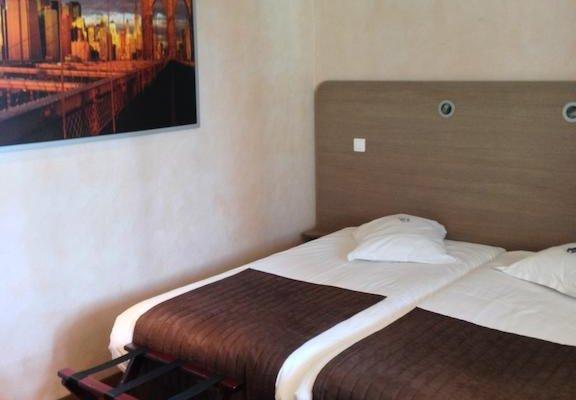 Hotel La Bonbonniere - Dijon - фото 7