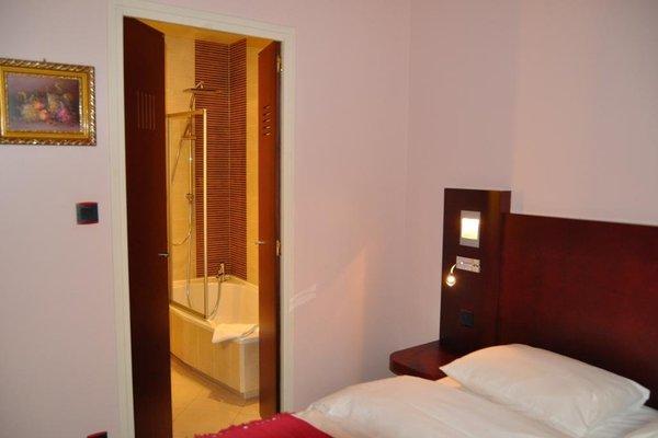 Logis Hotel De La Cote D'or - фото 3