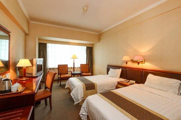Star Hotel - фото 2
