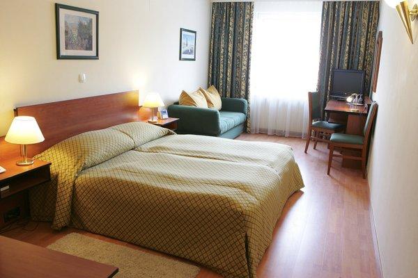 City Hotel Deutschmeister - фото 1
