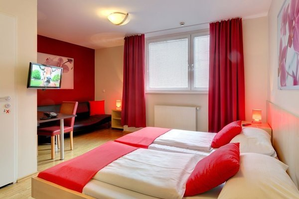 MEININGER Hotel Wien Hauptbahnhof - фото 1