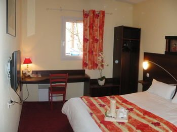 Comfort Hotel Poissy Technoparc - фото 2