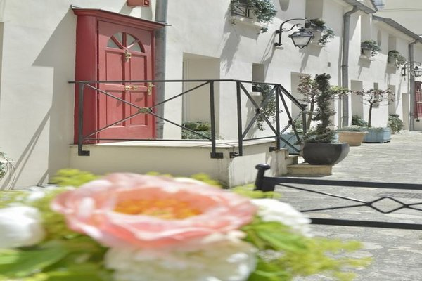 Hotel Suites Unic Renoir Saint-Germain - фото 16