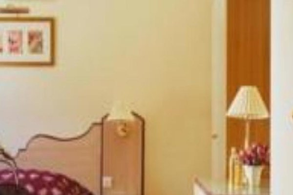 Hotel Suites Unic Renoir Saint-Germain - фото 3