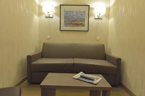 Hotel Suites Unic Renoir Saint-Germain - фото 6