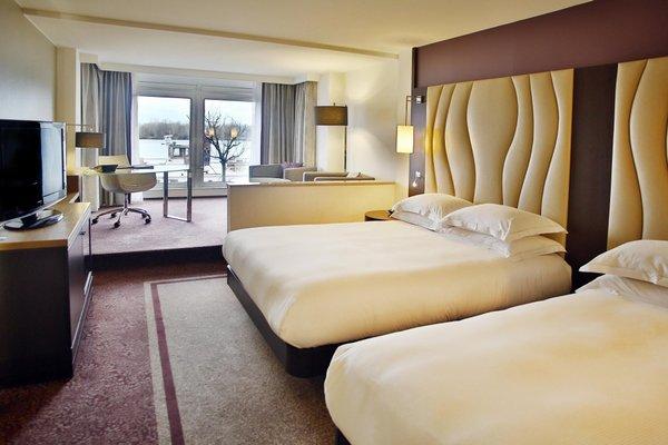 Hilton Vienna Danube Waterfront - фото 1