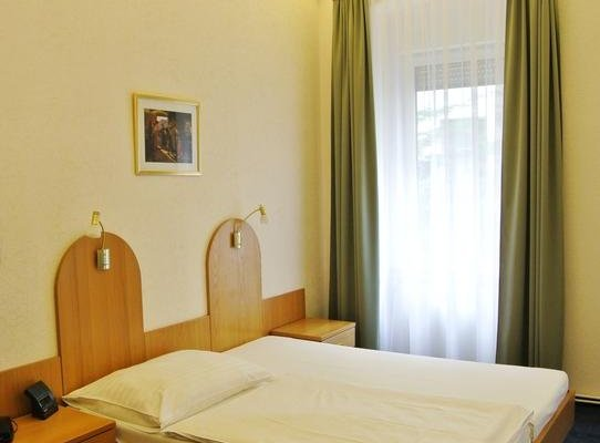 Pension Schonbrunn - фото 1