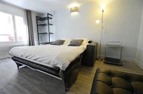 Into Paris - Appartement Hotel de Ville - фото 4