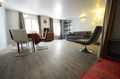Into Paris - Appartement Hotel de Ville - фото 7