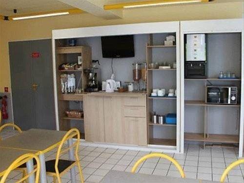 Fasthotel Le Havre - фото 9