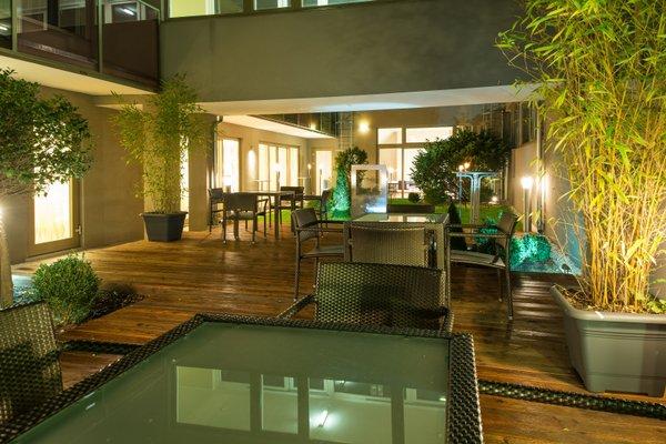 Pakat Suites Hotel - фото 16