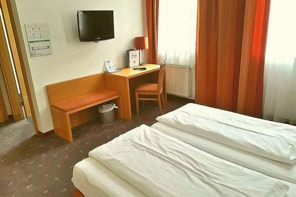 Hotel Fabrik Wien - фото 1