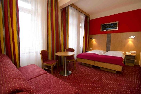 Hotel Cryston - фото 1