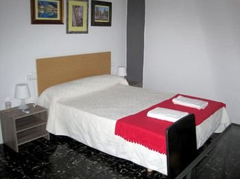 XY Travellers Guest House - фото 11