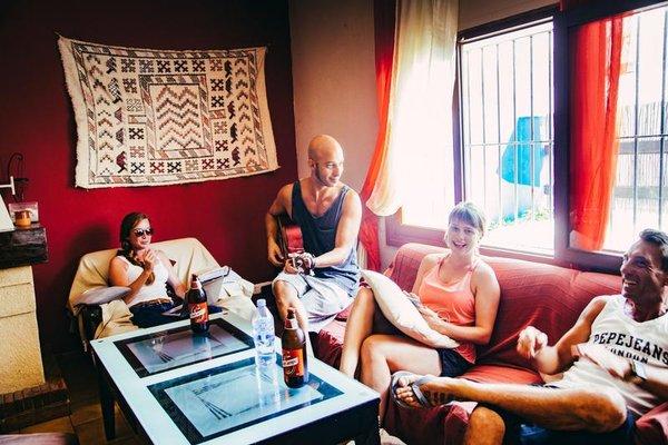 The Melting Pot Hostel Tarifa - фото 3