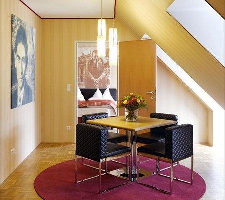 Отель Derag Livinghotel an der Oper - фото 18