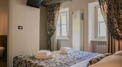 Hotel Barbacan - фото 1