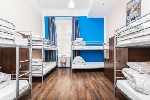 One World Hostel - фото 4