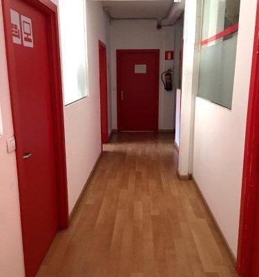 Bilbao Central Hostel - фото 14
