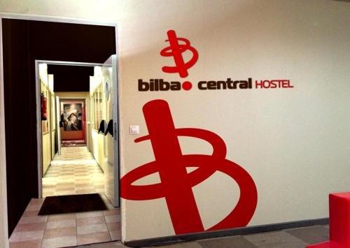 Bilbao Central Hostel - фото 17