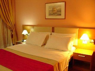 AS Hotel, Golemas