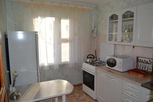 Apartment on Marinenko - фото 8