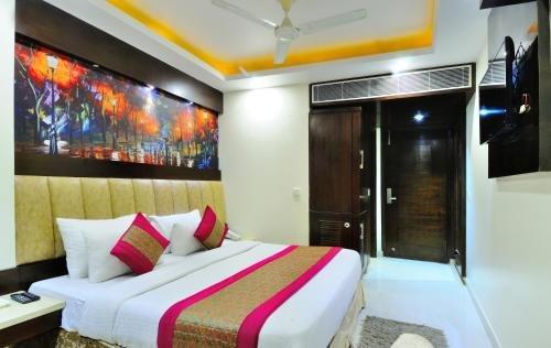 Hotel Sai Miracle - фото 1