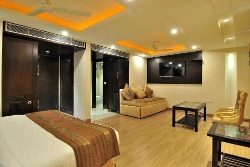 Hotel Sai Miracle - фото 4