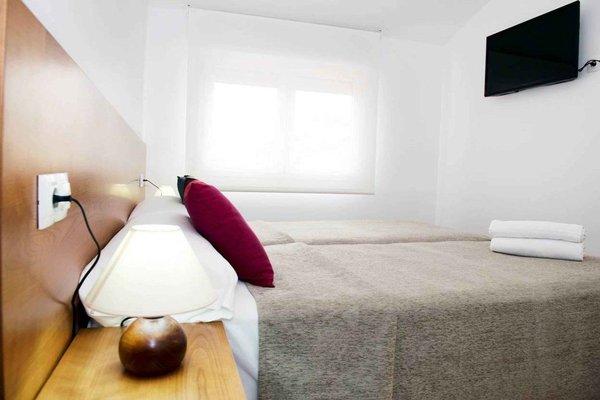 Pamplona Apartments, Бурлада