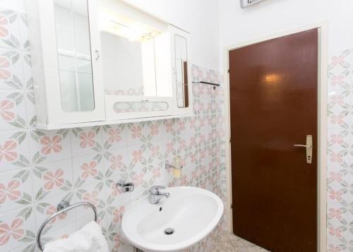 Apartment Debos - фото 10