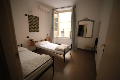 Abbey Hostel - фото 2
