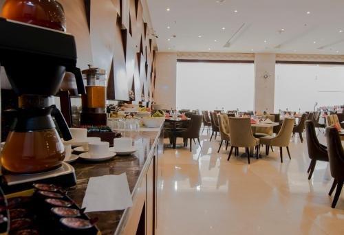 Signature Hotel Al Barsha - фото 12