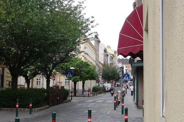 Hotel Pension De Lux - фото 21