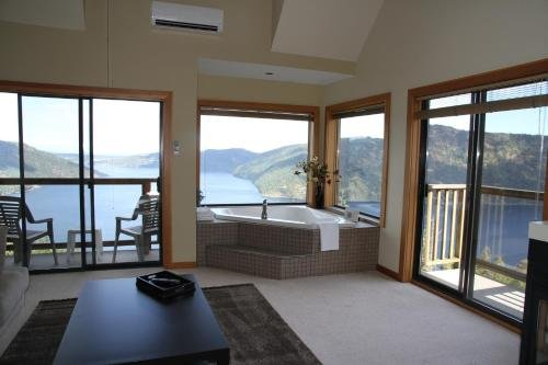 Moon Water Lodge - фото 13